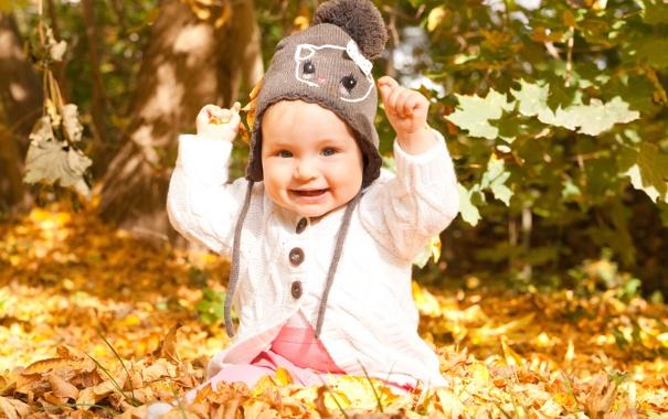 Фото обои осень, листья, дети, улыбка, ребенок, малыш, шапочка