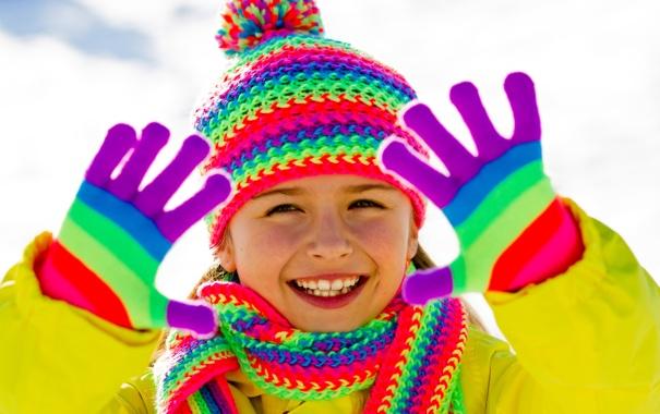 Фото обои радость, помпон, шарф, яркость, зима, снег, шапочка