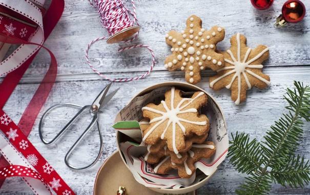 Фото обои зима, снежинки, ветки, еда, ель, Новый Год, печенье