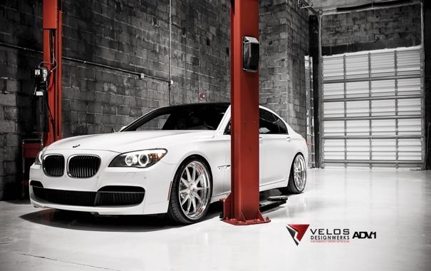 Фото обои белый, стена, тюнинг, бмв, BMW, tuning, передок