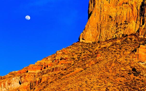 Фото обои небо, горы, скалы, луна