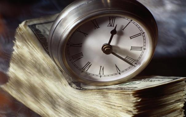 Фото обои макро, время, часы, деньги, стопка, купюра