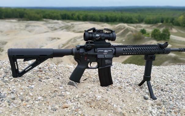 Фото обои оружие, гравий, AR-15, штурмовая винтовка, сошка