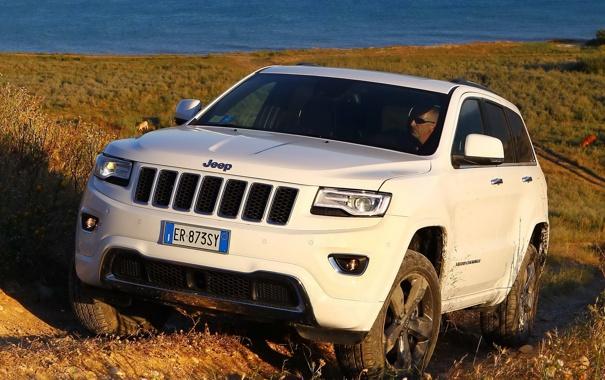 Фото обои вид, джип, спереди, Jeep, Grand Cherokee, мощный, Overland