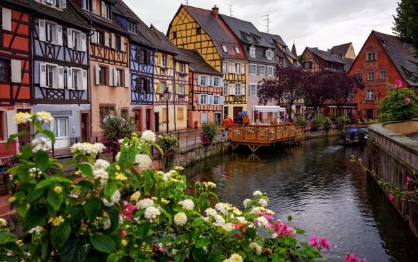 Фото обои небо, цветы, Франция, дома, канал, Кольмар, фахверк