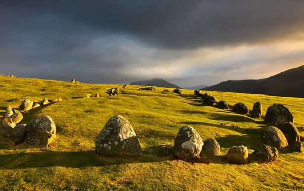 Фото обои небо, горы, тучи, камни, мегалиты