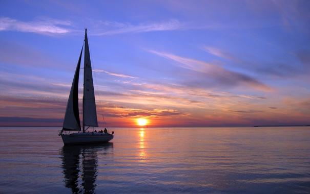 Фото обои море, небо, солнце, закат, парусник