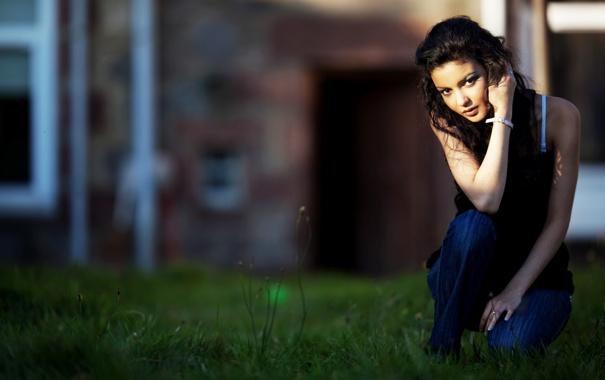 фотографии малознакомых девушек брюнеток