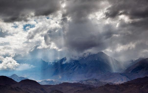 Фото обои небо, облака, лучи, свет, горы