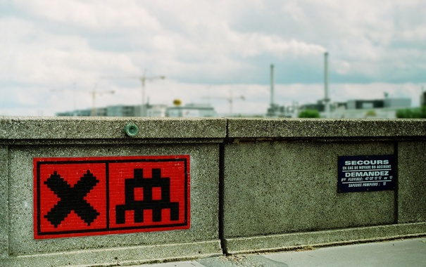 Фото обои Sign, StreetArt, Red Mosaic, SpaceInvader