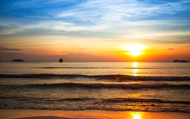 Фото обои закат, облака, корабль, волны, море