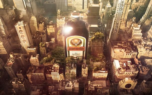 Фото обои город, бутылка, алкоголь, ликёр, Jägermeister, егерь, Егерме́йстер