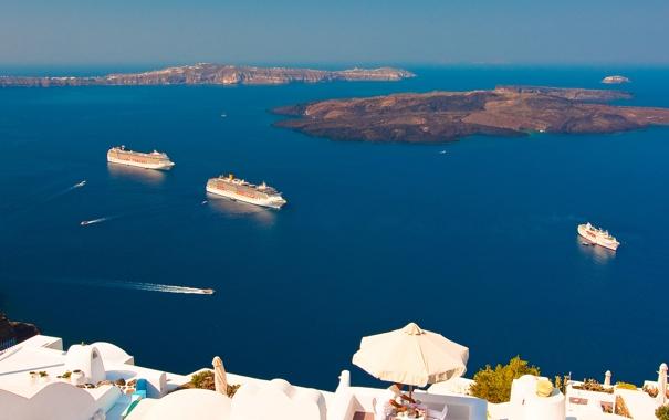 Фото обои море, скалы, дома, корабли, Санторини, Греция, лайнер