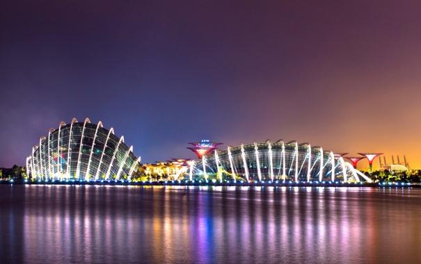 Фото обои вода, ночь, город, огни, отражение, здания, вечер