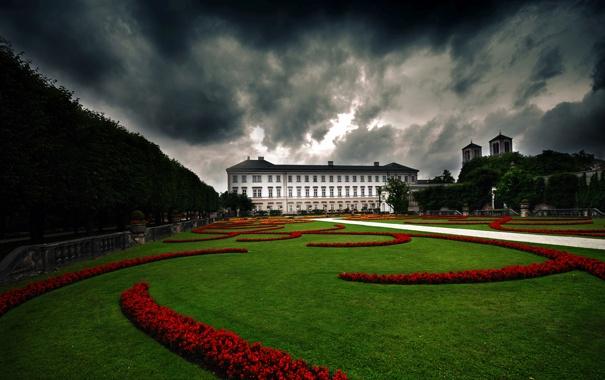 Фото обои трава, цветы, тучи, дом, парк, замок, забор