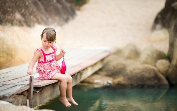Фото обои взгляд, мост, настроение, девочка