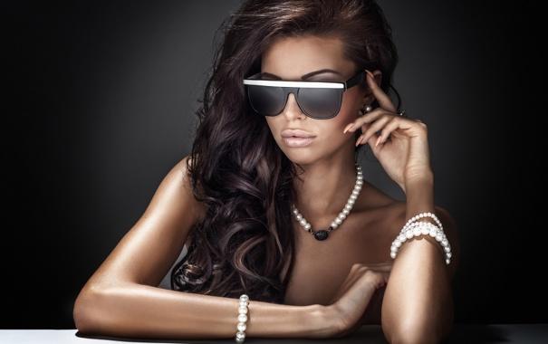 Фото обои fashion, style, brunette, dark glasses