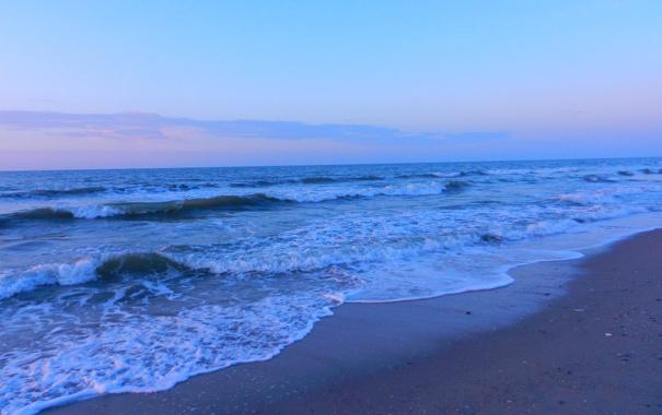 Фото обои песок, море, волны, небо, закат, берег, камушки