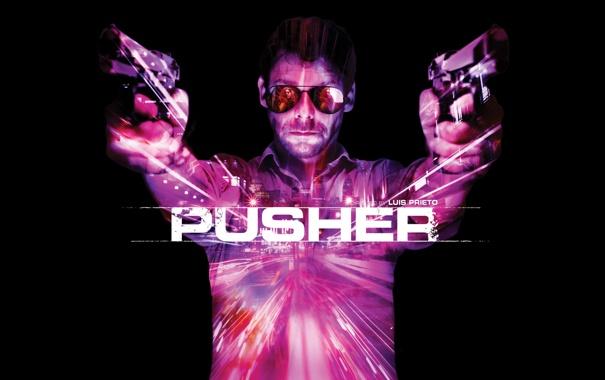 Фото обои пистолет, мужик, пушки, Pusher, очки и два ствола, Дилер
