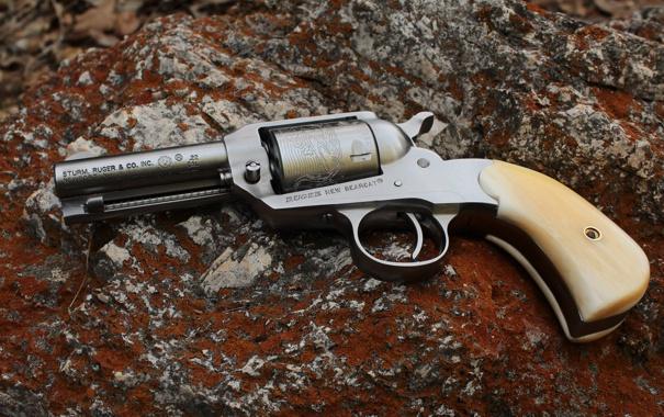 Фото обои revolver, soil, ruger