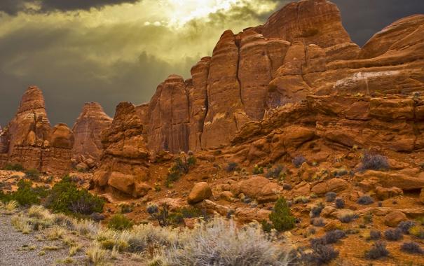 Фото обои камни, горы, скалы, небо, тучи