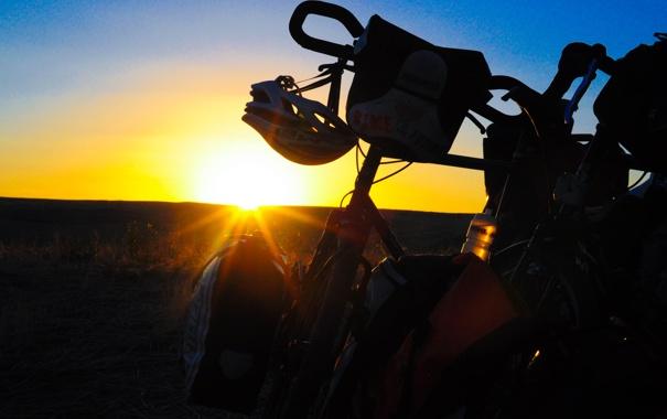 Фото обои закат, велосипед, вечер, bike, привал