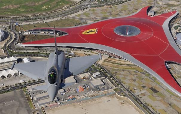Фото обои полет, город, истребитель, поколения, многоцелевой, Eurofighter Typhoon, четвертого