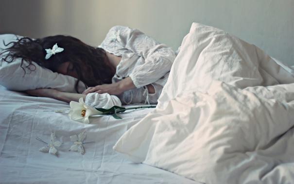 Бесплатно фото деву в постели фото 14-714