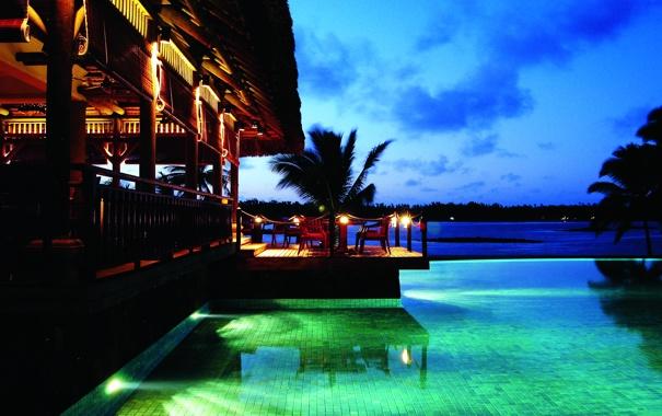 Фото обои пальмы, вечер, бассейн, ресторан