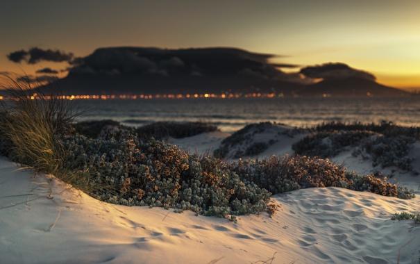 Фото обои закат, облака, горизонт, море, огни, песок, пляж