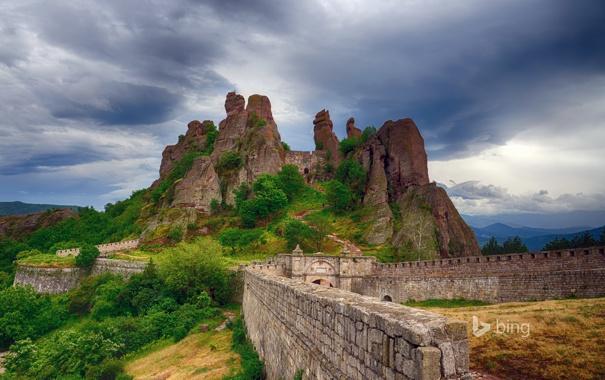 Фото обои небо, горы, тучи, крепость, Болгария, Белоградчик