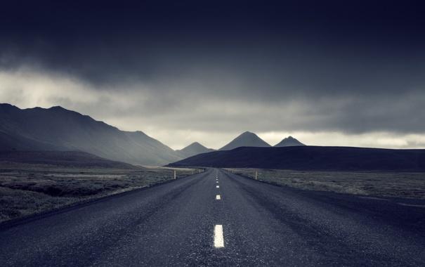 Фото обои дорога, гроза, поле, горы, серые облака