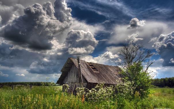 Фото обои небо, тучи, деревня, сарай