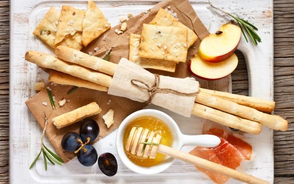 Фото обои яблоки, еда, палочки, мед, хлеб, виноград, доска