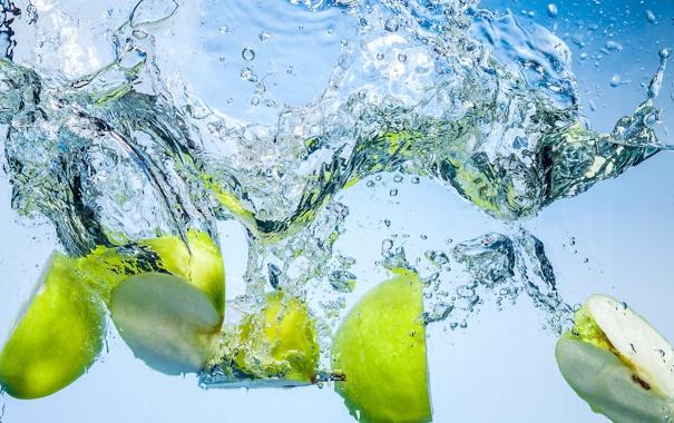 Фото обои вода, яблоки, дольки