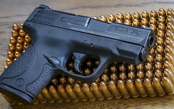 Фото обои пистолет, оружие, патроны, Smith & Wesson, Shield 9mm