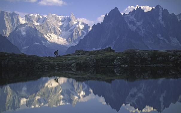 Фото обои вода, горы, отражение, путешествия, камни, люди, скалы