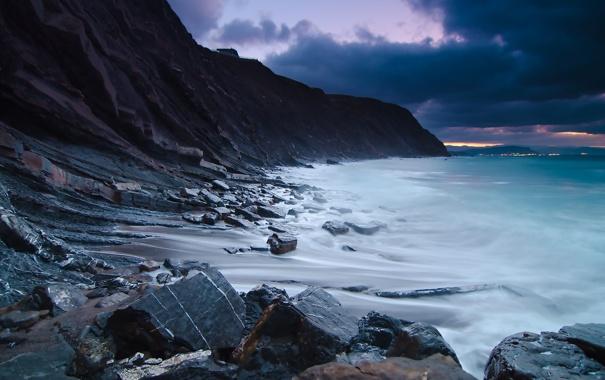 Фото обои песок, море, волны, небо, вода, горы, природа
