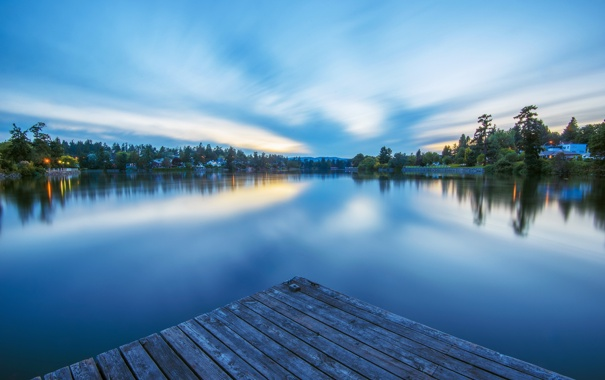 Фото обои деревья, огни, озеро, спокойствие, вечер, поселок
