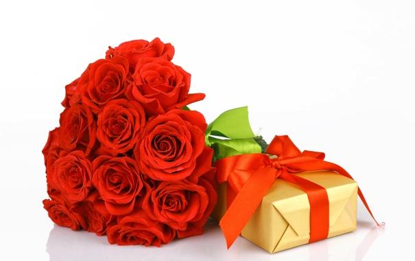 Фото обои подарок, розы, букет, лента, бутоны
