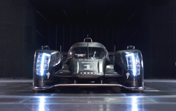 Фото обои свет, Audi, спорт, фары, гараж, болид, R18