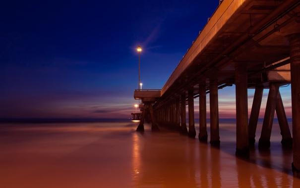 Фото обои небо, закат, мост, огни, дорга, в море