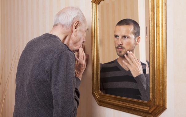 Фото обои reflection, mirror, Old man, young man