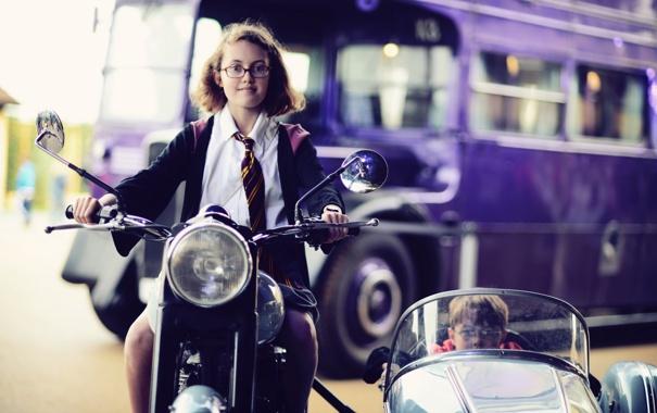 Фото обои город, настроение, мотоцикл, девочка