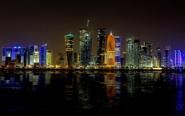 Фото обои ночь, город, огни, здания, небоскребы, подсветка, залив