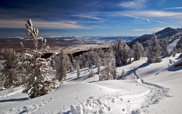 Фото обои облака, долина, небо, деревья, зима, горы, снег