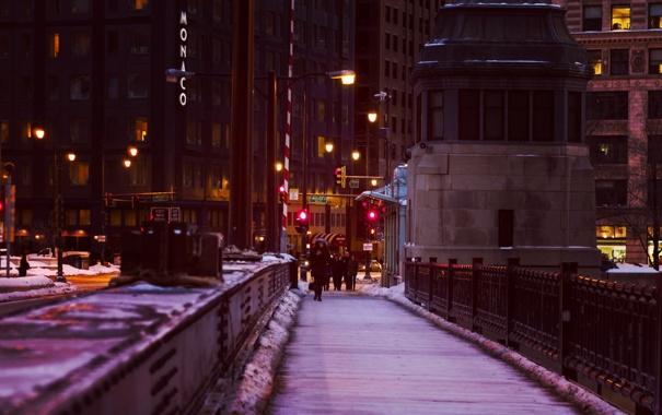 Фото обои зима, снег, ночь, мост, город, огни, люди