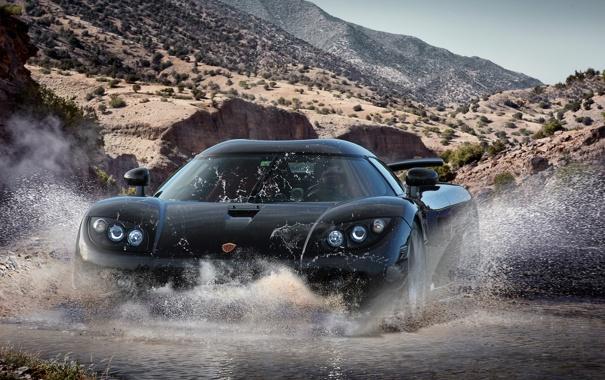 Фото обои горы, брызги, ручей, чёрный, Koenigsegg, black, front