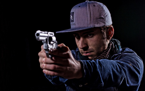 Фото обои пистолет, оружие, парень