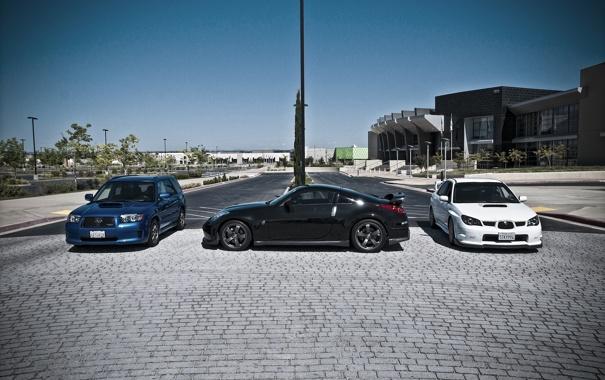 Фото обои белый, синий, город, чёрный, брусчатка, Subaru, Impreza